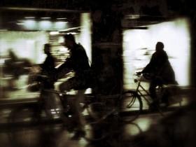 夜遊び クロスバイク